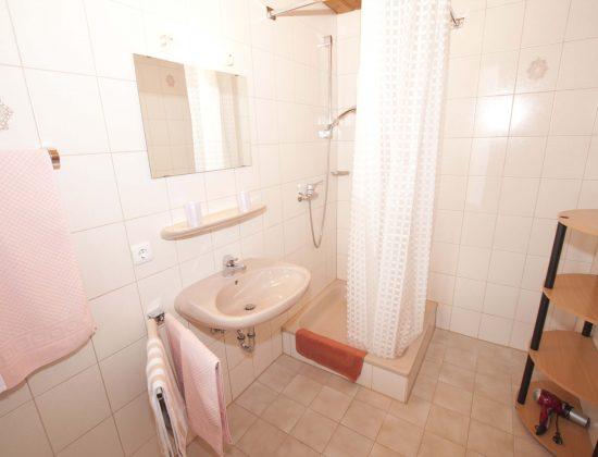 Zimmer Nr. 6 Badezimmer
